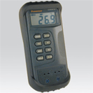 Portable numerical thermometer at input thermocouple